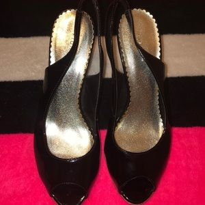 Size 7 Black Pumps